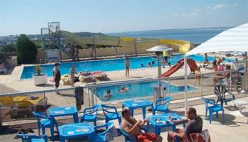 La piscine du Grand Large et sa magnifique vue.