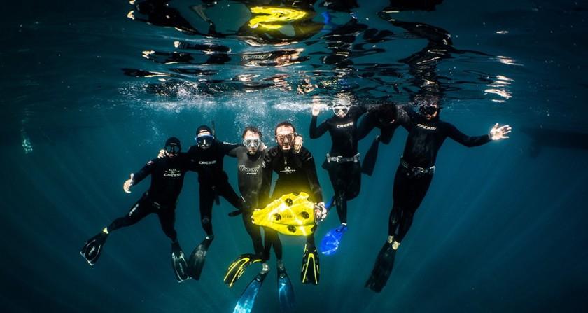 323895_notilo-plus-le-drone-subaquatique-pour-plongeurs-web-tete-0302352699176.jpg